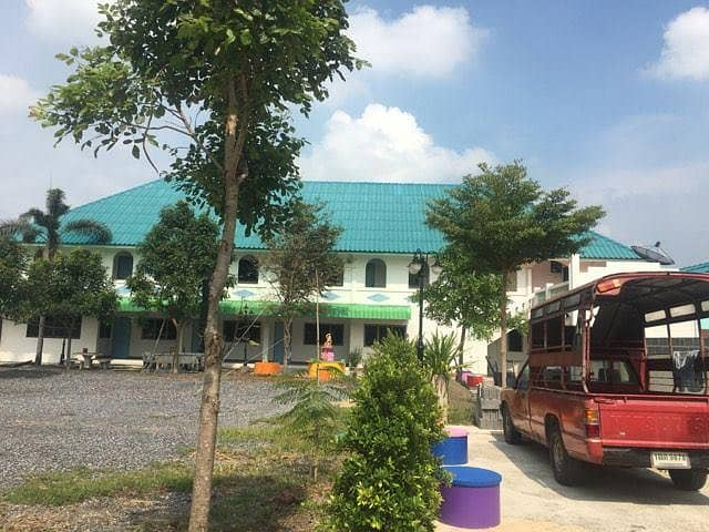 Homestay for rent, good atmosphere, shady atmosphere