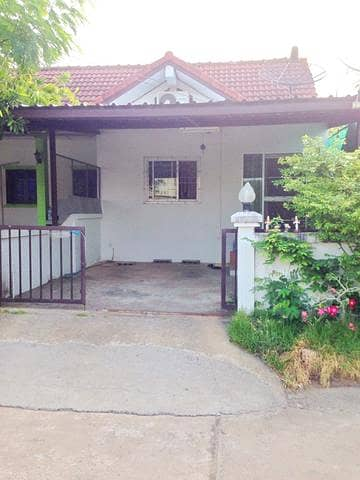 2 Bedroom Townhouse for Sale in Mueang Yasothon, Yasothon - 1 storey townhouse