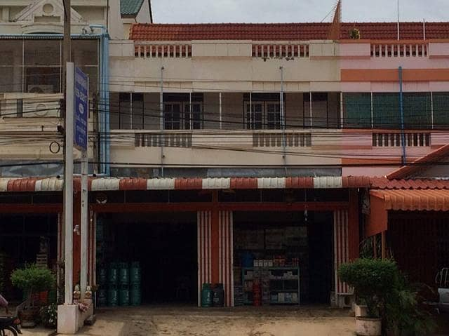 Building for rent 2 booths, next to main road, Chum Saeng District, Nakhon Sawan Province