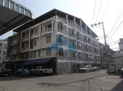 Apartment for Sale in Phasi Charoen, Bangkok - Commercial building, 2 booths, 4 floors, 61.2 sq m, inside is divided into rental rooms, 31 bedrooms, 31 bathrooms, full tenants, good location, near Siam University, Soi Petchkasem 42, Petchkasem Road.
