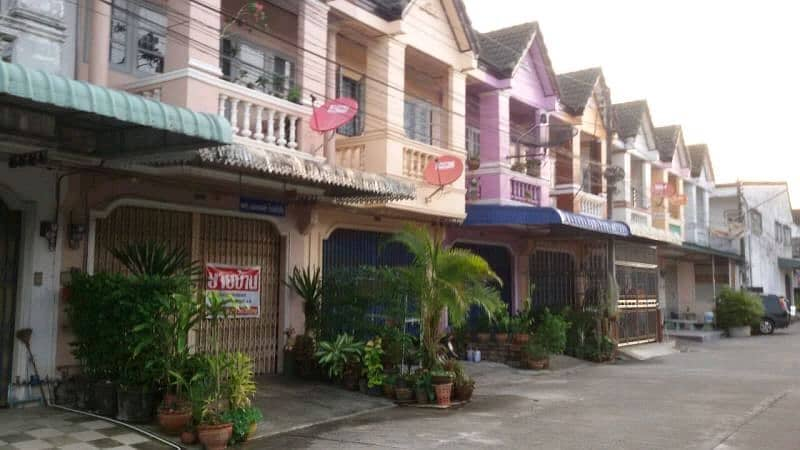 House for sale, 2-storey commercial building, 2 bedrooms, with furniture in the strategic direction, Soi 9, Thung Song Province