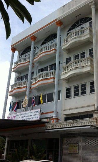 3 and a half storey commercial building next to the main road in front of Angthong Patamaroj School