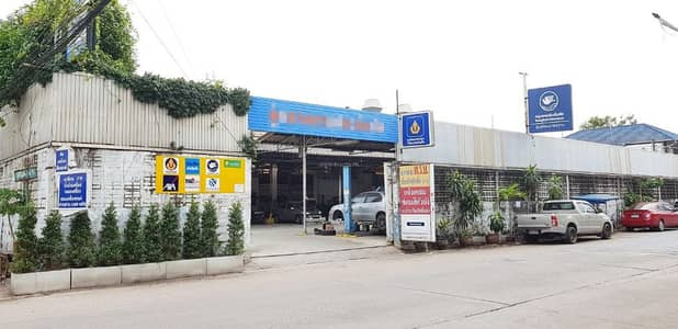 Thonburi Auto Car for sale is a complete car repair facility. Located on Kanchanaphisek Road Which is a very good location Within the workplace divided into proportions