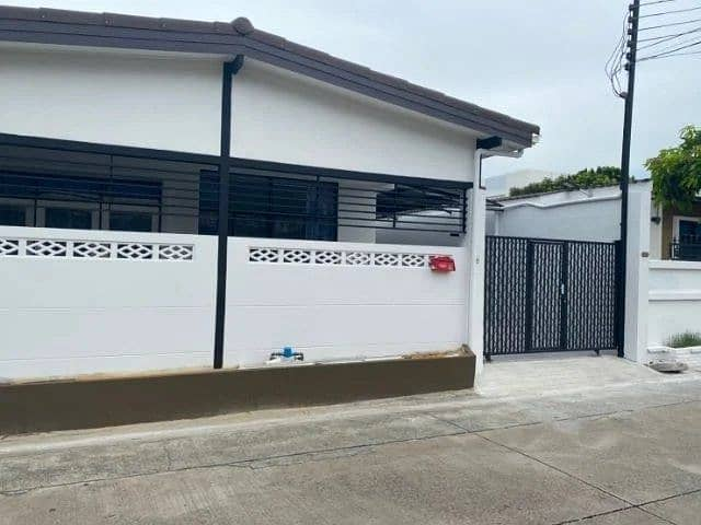 House for rent in Chokchai 4 Ladprao.