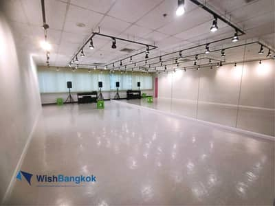 Office for Rent in Pathum Wan, Bangkok - Office for rent in Sukhumvit area , office with separate rooms already space of 286 SQM  price for 230K