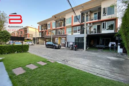 6 Bedroom Townhouse for Sale in Bueng Kum, Bangkok - Townhome, 2 booths, 3 floors, The Trust Nuanchan project, area 50 sq m. , Bueng Kum District.