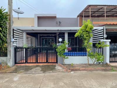 3 Bedroom Townhouse for Sale in Bang Lamung, Chonburi - House for sale in Pattaya 3 bedrooms 2 bathrooms