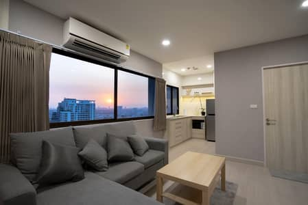 1 Bedroom Apartment for Rent in Phaya Thai, Bangkok - Amazing High Rise 1-BR Serviced Apt.