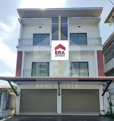 Commercial Building for Sale in Klaeng, Rayong - Quick sale! 3-storey commercial building, 2 booths, next to Sukhumvit Road Klaeng Rayong District