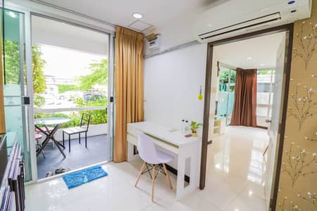 1 Bedroom Apartment for Rent in Sathon, Bangkok - Homely 1-BR Serviced Apt. | 6 Mo. Avl.